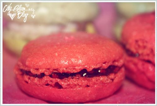 http://i402.photobucket.com/albums/pp103/Sushiina/Daily/macrons1.jpg